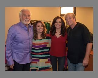 Kenny Rogers, Melissa Fitzgerald, Martina McBride, and Greg Travis on Entertainment Tonight